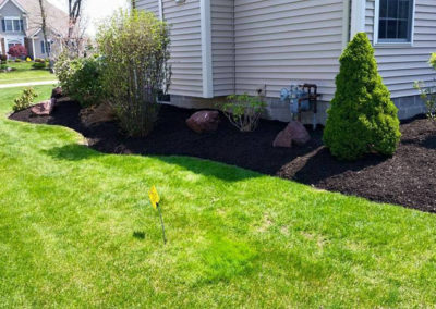 ontario-webster-landscaping-mulch-penfield-williamson